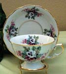 394-231 - Bouquet of Pansies Laurel Cup & Saucer