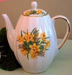 563-208 - Daffodil Tall Ribbed Teapot